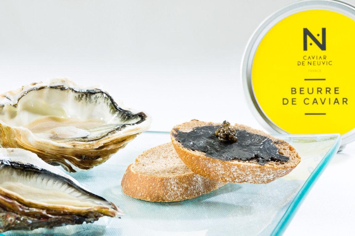 CAVIAR DE NEUVIC - Huitres et tartines de beurre de caviar